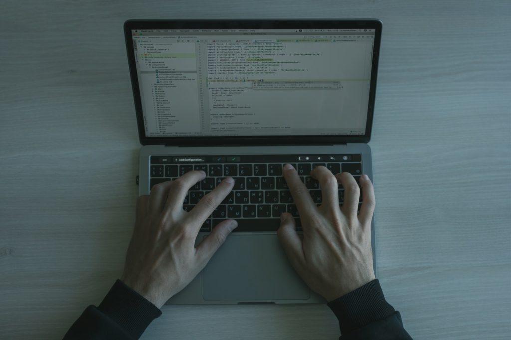 Apresentar a programação como uma importante habilidade profissional